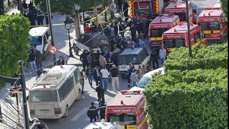 Tunisia, torna paura nella capitale: donna kamikaze si fa esplodere in centro, 9 feriti
