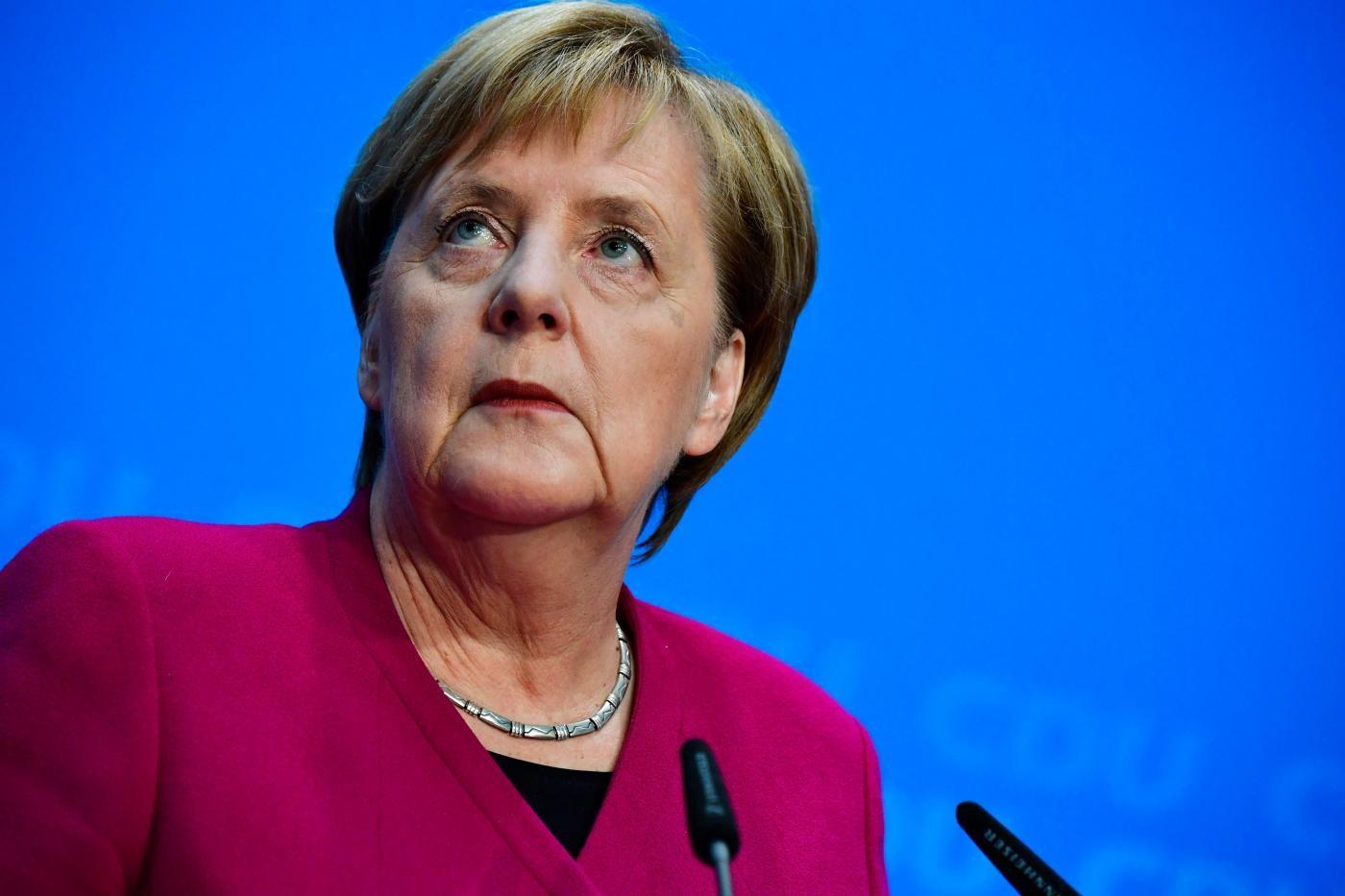 Merkel: parabola della cancelliera inossidabile al timone da 13 anni
