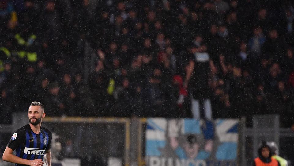 L'esultanza di Brozovic che segna il secondo gol dell'Inter ©