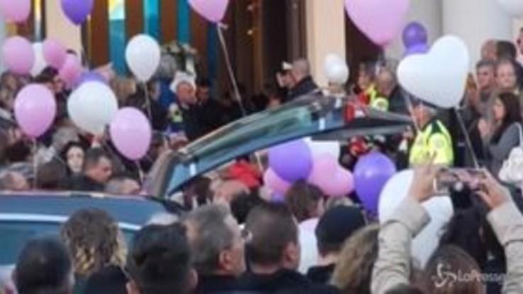 Funerali di Desirée, palloncini e fuochi d'artificio per l'ultimo saluto alla giovane