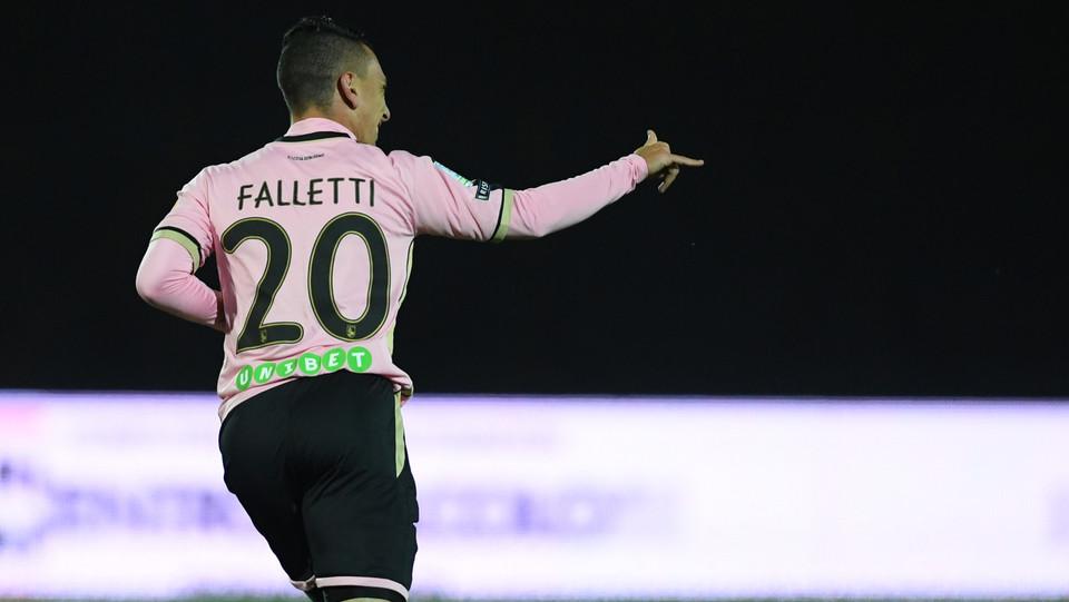 Carpi - Palermo 0-3 -  Falletti festeggia ©