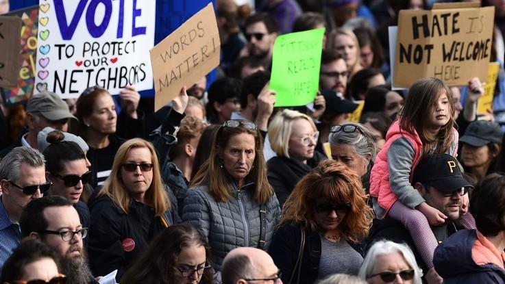 """Trump contestato alla sinagoga di Pittsburgh: """"Le parole contano, le tue bugie uccidono"""""""