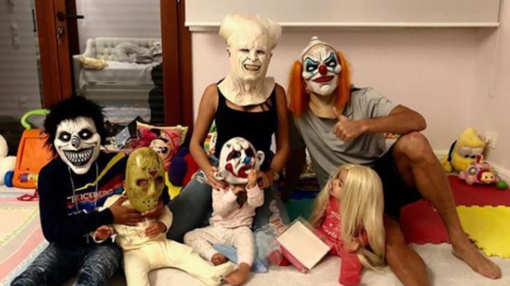 Cristiano Ronaldo si traveste e festeggia Halloween con la famiglia