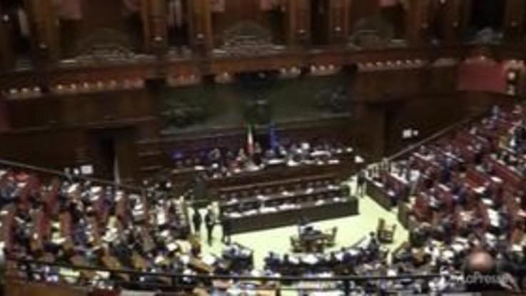 Dl Genova, rissa sfiorata alla Camera tra Pd e Fratelli d'Italia