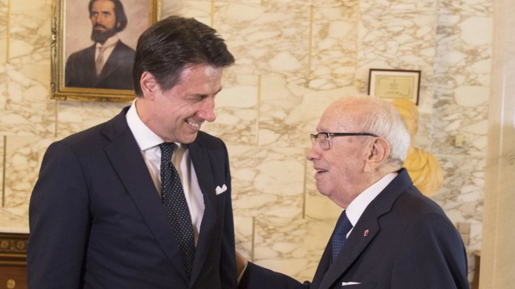 """Conte in Tunisia: """"Bene con Chahed sui rimpatri"""". E replica a Gorgetti sul reddito di cittadinanza"""