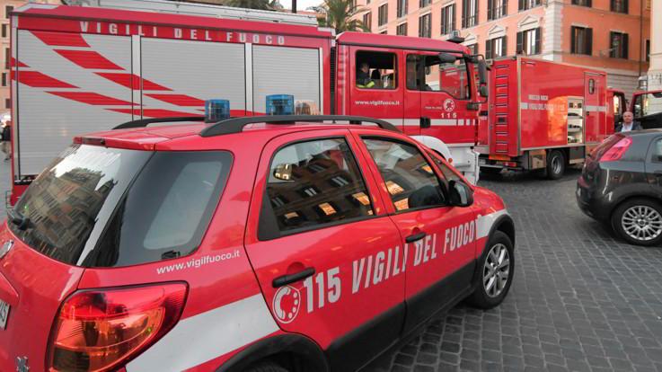 Roma, incendio all'ospedale San Pietro: 60 pazienti spostati, 12 bimbi trasferiti