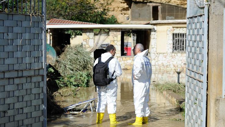 Sicilia flagellata dal maltempo: 12 morti. Due famiglie distrutte da una bomba d'acqua