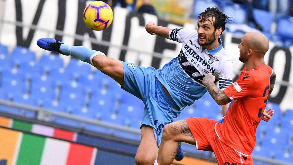 70' Parolo da fuori area spara un siluro sulla sinistra e segna. Lazio 4-1 ©
