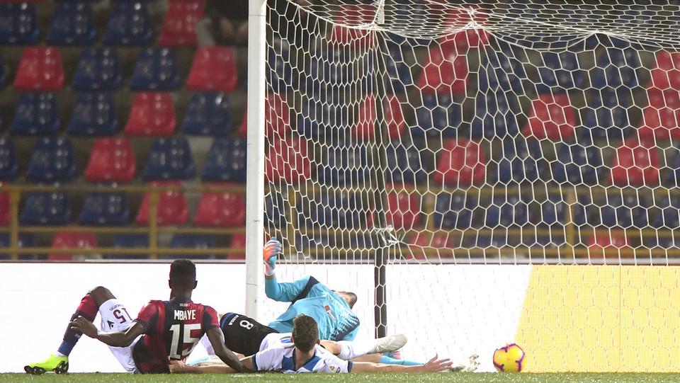 Subito Bologna in vantaggio con il gol di MBaye ©