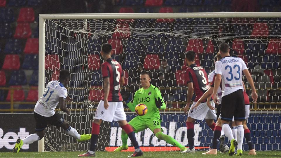 Zapata (Atalanta) segna il gol della vittoria ©