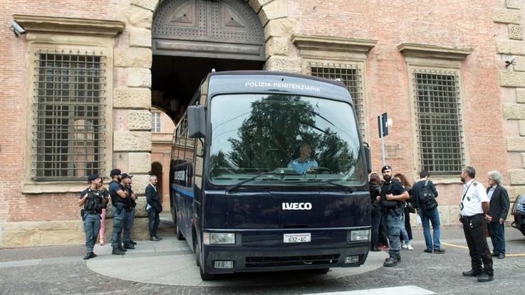 'Ndrangheta, condannato 'Aemilia' prende in ostaggio dipendenti delle poste