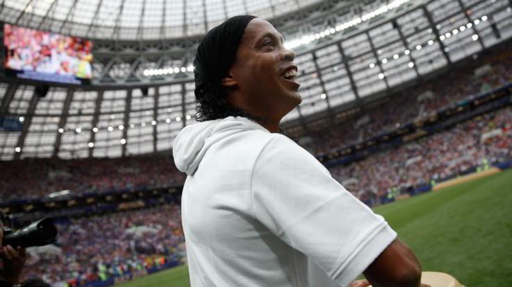Guai finanziari per Ronaldinho: nel conto ha appena 6 euro