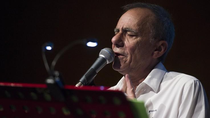 Musica, Vecchioni torna con 'L'Infinito': canzone d'autore solo in vinile e cd