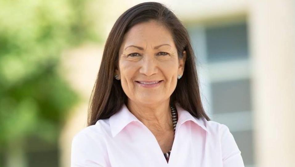 Debra Haaland vince nel New Mexico e diventa insieme a Sharice Davids la prima nativa americana ©