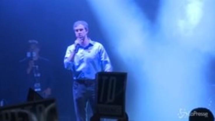 Midterm, la commozione sul palco di Beto O'Rourke