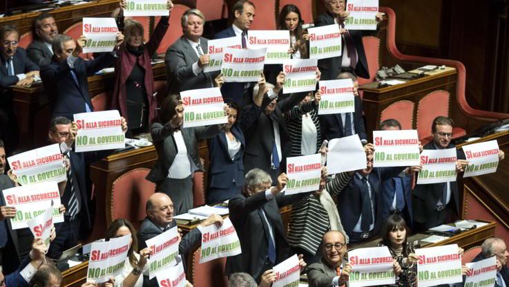 Forza Italia protesta in Senato