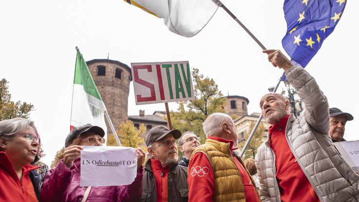 """Torino, consigliera M5S attacca i pro Tav: """"Disperati e madamin da salotto"""""""