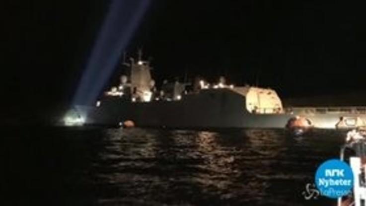 Norvegia, petroliera si schianta contro una fregata: le immagini della tv di Stato