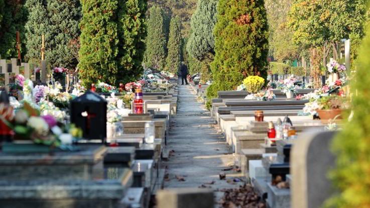 Palermo, tangenti e vilipendio di cadaveri al cimitero: smantellato gruppo criminale