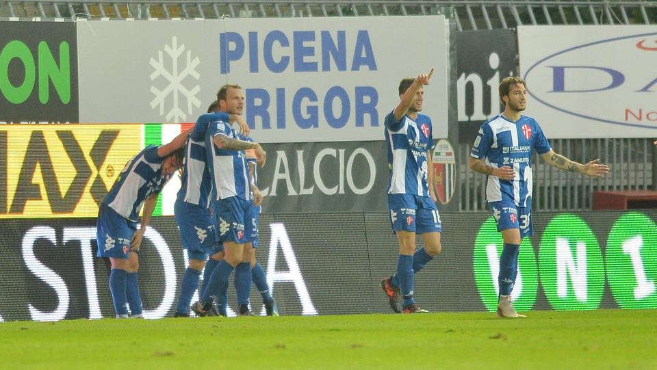 Ascoli-Padova 2-3 - La gioia di Mazzocco dopo il gol ©