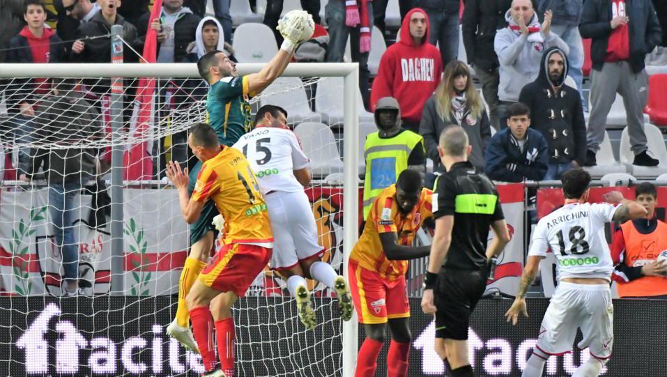 Carpi-Benevento 2-2 - Azione di gioco ©