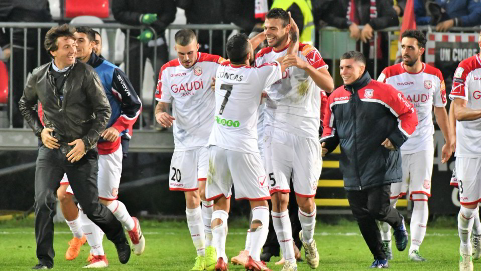 Carpi-Benevento 2-2 - Vano festeggia ©