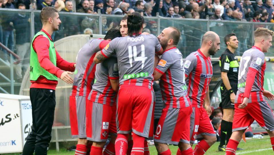 Cremonese-Livorno 1-0 - I padroni di casa in festa ©
