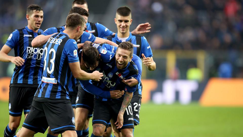L'Atalanta dopo il quarto gol segnato da Gomez ©