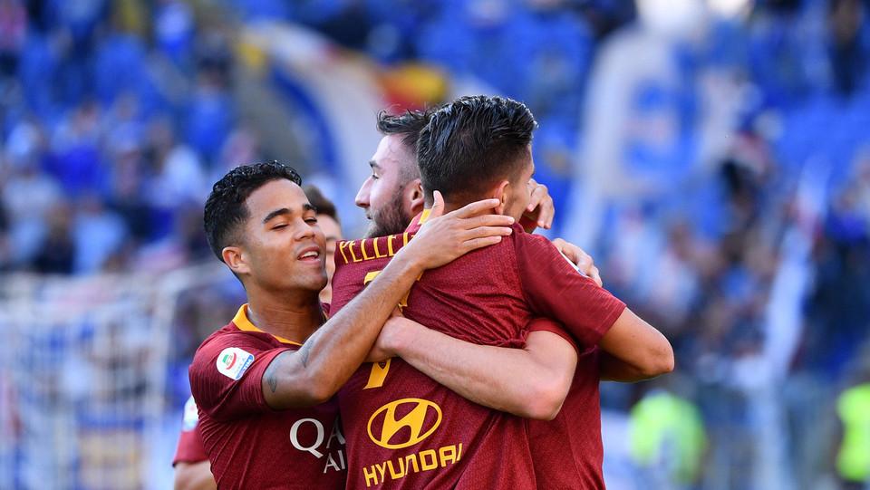 I giallorossi abbracciano Cristante che è autore dell'assist ©