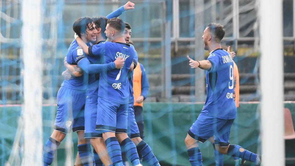 Brescia-Verona 4-2 - Tonali esulta con i compagni ©