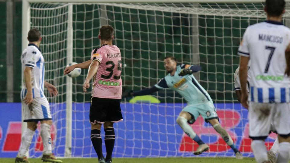 Palermo-Pescara 3-0. Murawski da fuori fa 2-0 ©