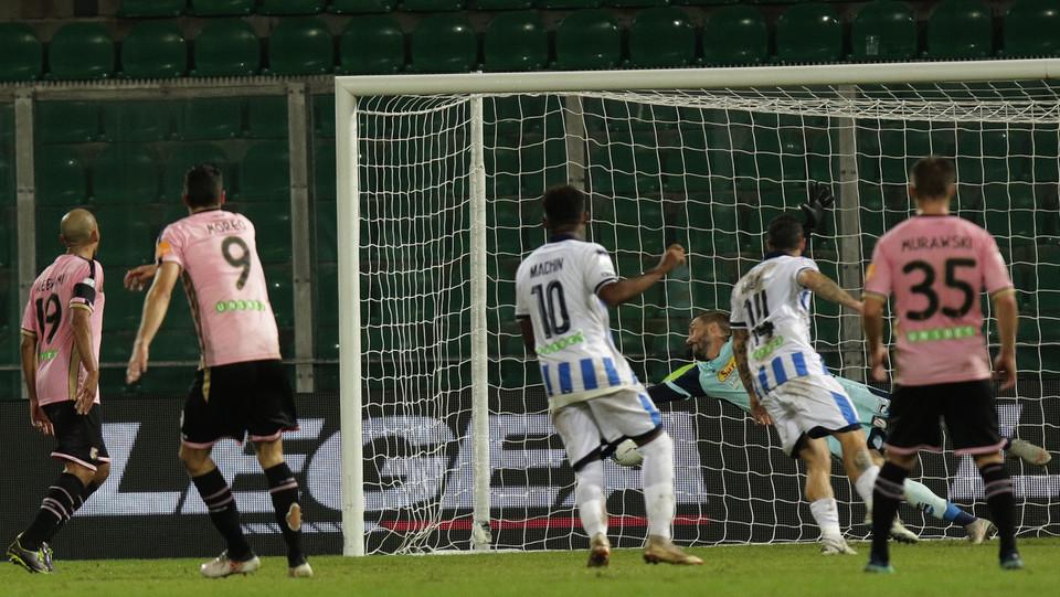 Palermo-Pescara 3-0. Morleo fa tris ©