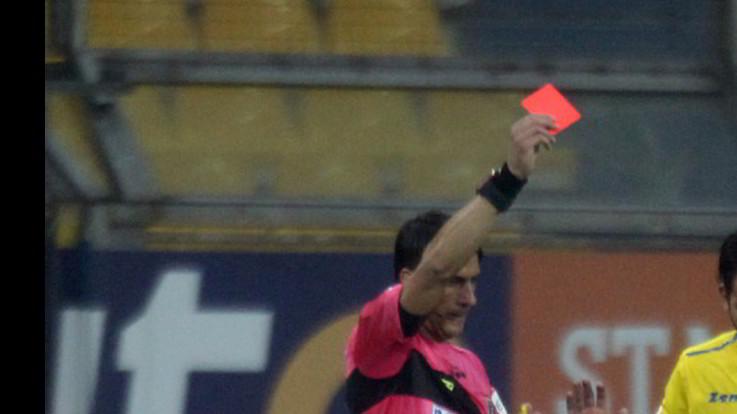 Picchiato a sangue giovane arbitro. Sciopero dei fischietti nel Lazio