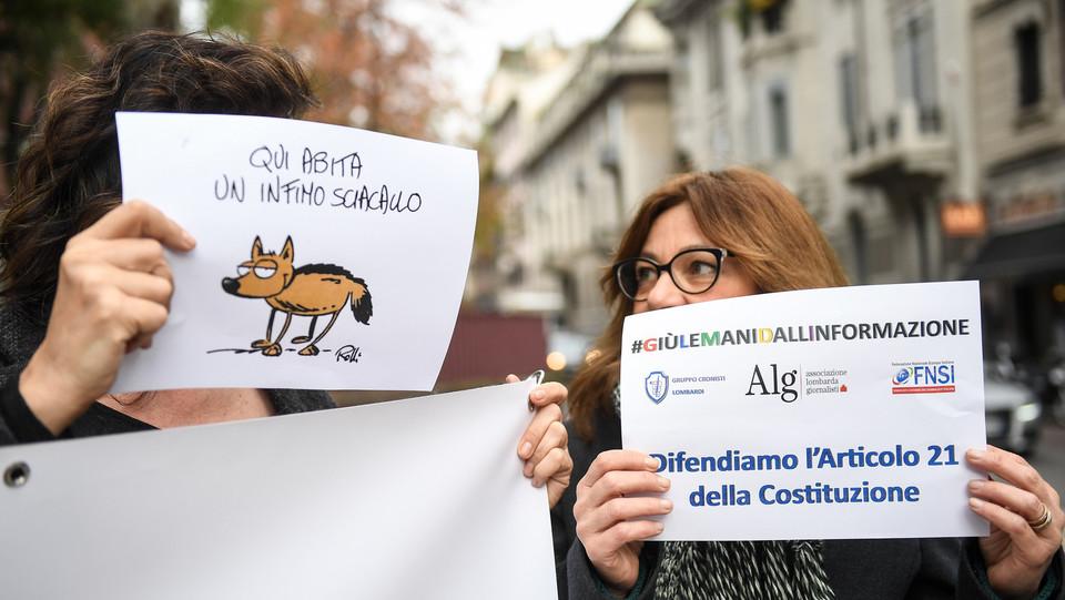 Il presidio dei giornalisti a Milano ©