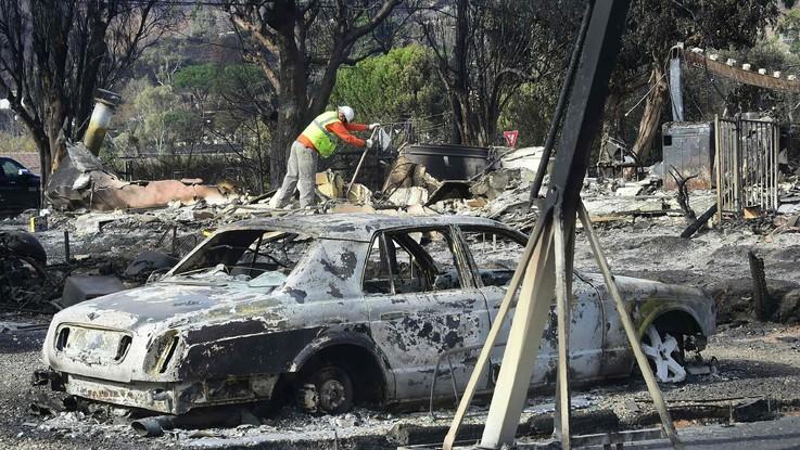 Usa, incendi California: almeno 50 morti, ricerche continuano