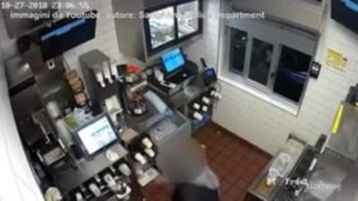 Poco ketchup nel panino: aggredita cuoca del McDonald's