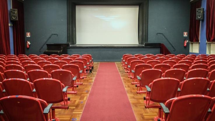 """Bonisoli e il decreto anti-Netflix: """"I film usciranno prima in sala, poi sulle piattaforme"""""""