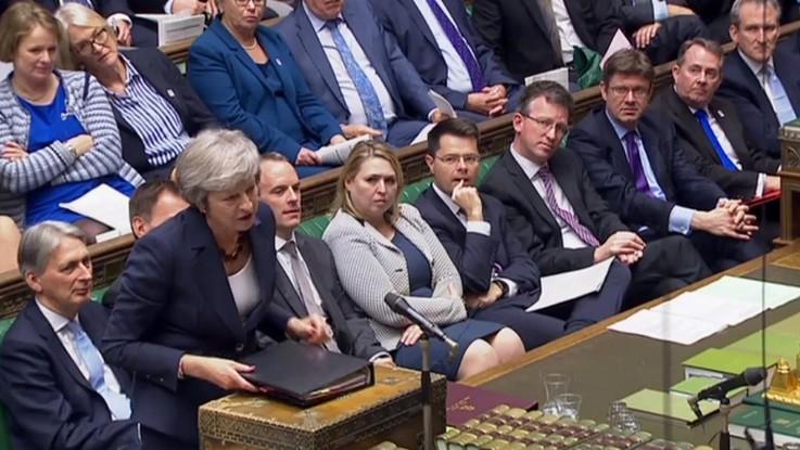 Brexit, sì del governo May alla bozza d'accordo con l'Ue