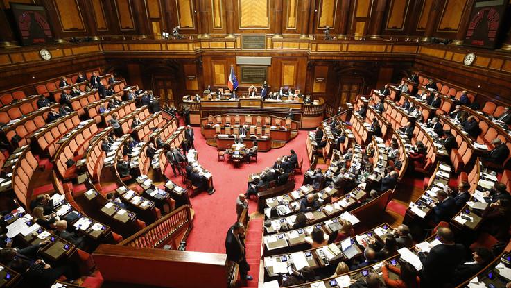 Dl Genova, M5s recupera sul condono Ischia: ok al Senato vicino. Giallo sull'emendamento Fi