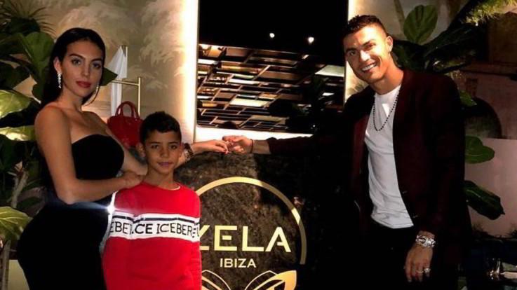 Ronaldo e Georgina presto sposi: la proposta di matrimonio a Londra