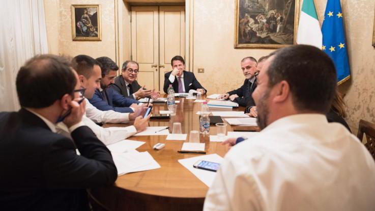 """Decreto fiscale, M5S: """"Scompare il condono"""". Lega: """"Ma rimane la pace fiscale"""""""