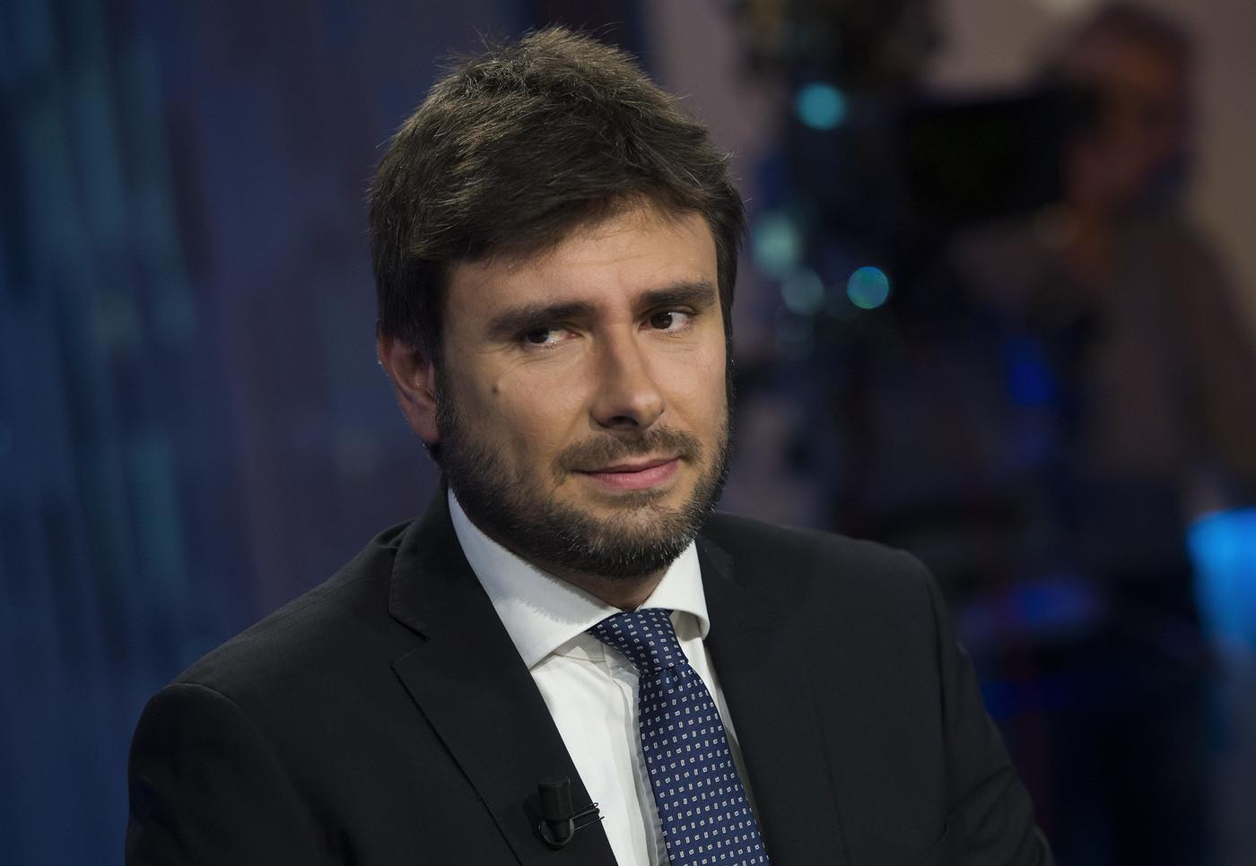 """M5s, Di Battista avverte Salvini: """"Sia leale o si torna a votare"""""""
