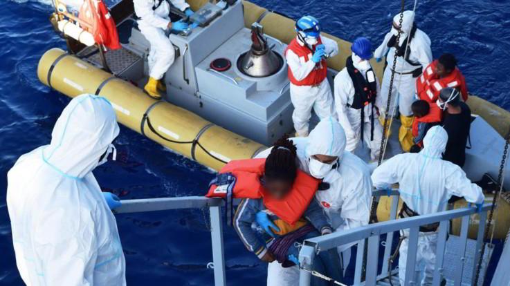 Migranti, naufragio al largo della Sardegna: due morti, otto dispersi