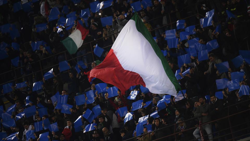 I tifosi azzurri a San Siro ©