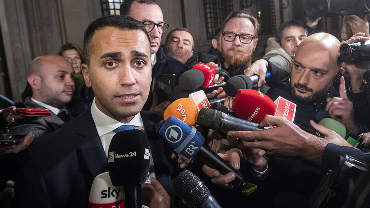 """Governo, Di Maio: """"Tutto bene finché Salvini non chiede nulla per Berlusconi"""""""
