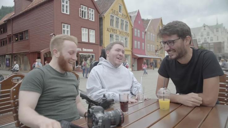 """Tre amici, i fiordi e un sogno: """"In viaggio con Luca"""", il nuovo spot di Parent Project"""
