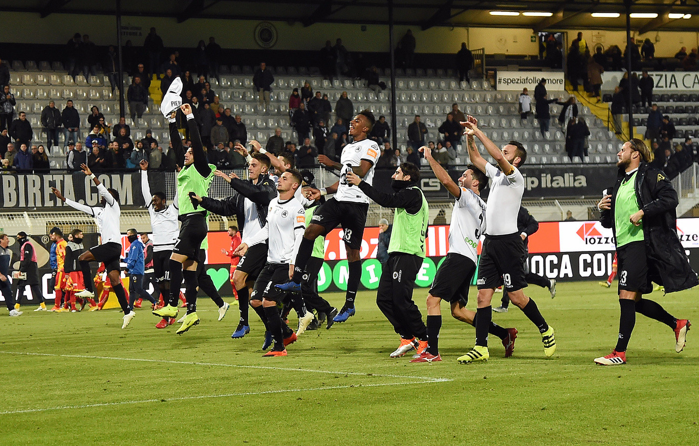 Serie B, Spezia batte Benevento 3-1 nel recupero