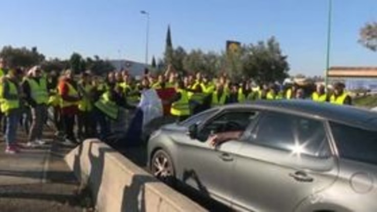 'Giubbotti gialli', Francia ancora sotto assedio