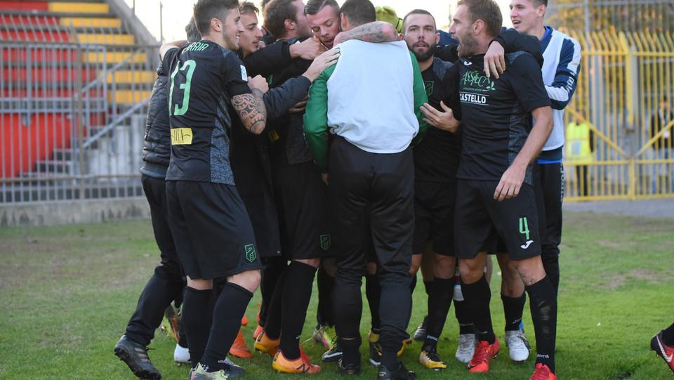 Monza-Pordenone 0-2 - Esultanza del Pordenone dopo il gol di Magnaghi ©