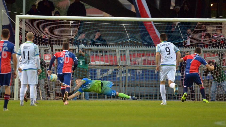 Sambenedettese-Feralpisalò 2-0 - Il rigore sbagliato da Di Massimo (Samb) ©